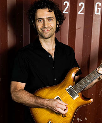 [Dweezil Zappa Band Picture]